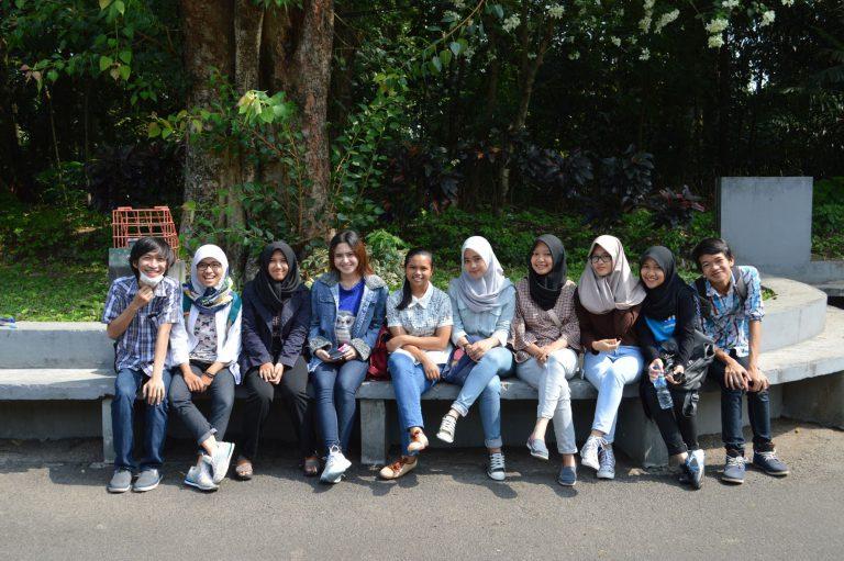 Étudiants (département artistique ) à Sekolah Vokasi