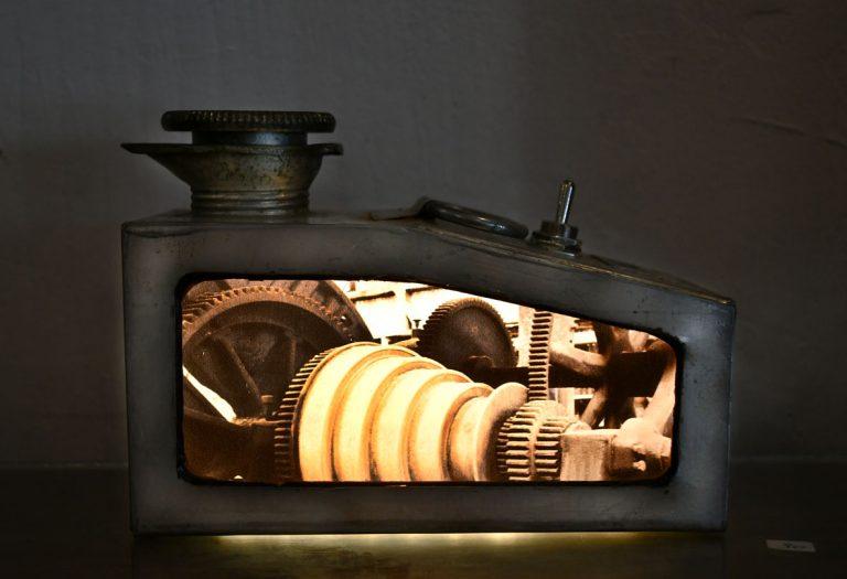 petit bidon huile ancien / ampoules LEDs / impression photo HUMBERSTONE