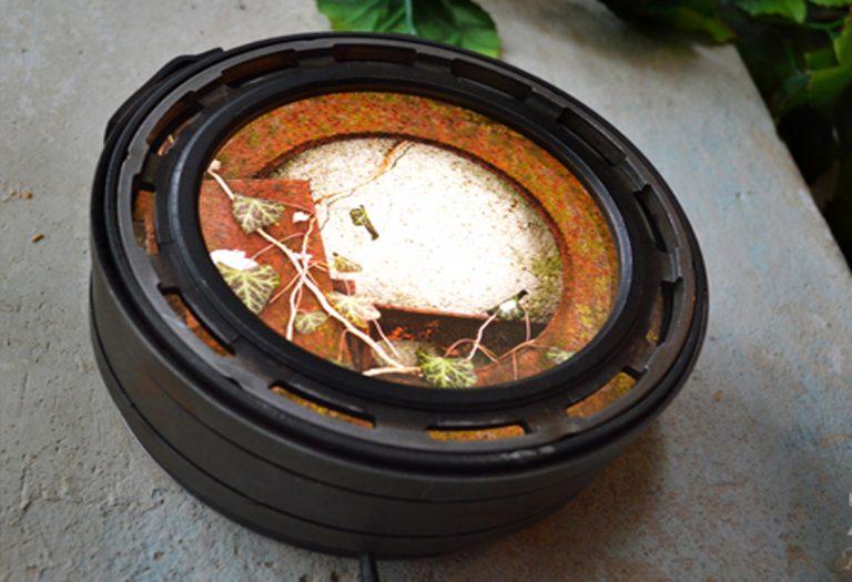 acier / pièces de métal recyclées / ampoules LED / impression photo TEXTURES / Dimensions : longueur 21cm – largeur 8 cm (n´est plus disponible)