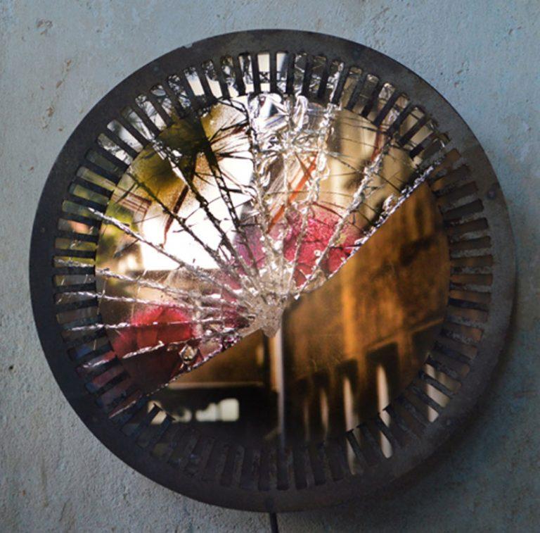 acier /pièces de métal recyclées / ampoules LED / impression photo URBEX BEST OF / Dimensions : longueur 41cm – largeur 8 cm (n´est plus disponible)
