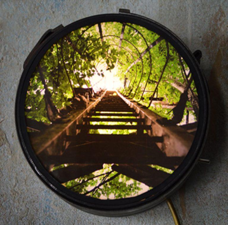 acier / pièces de métal recyclées / ampoules LED / impression photo URBEX BEST OF / Dimensions : longueur 20cm – largeur 8 cm (n´est plus disponible)